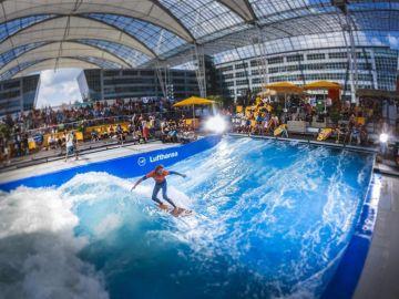 Hacer surf en un aeropuerto